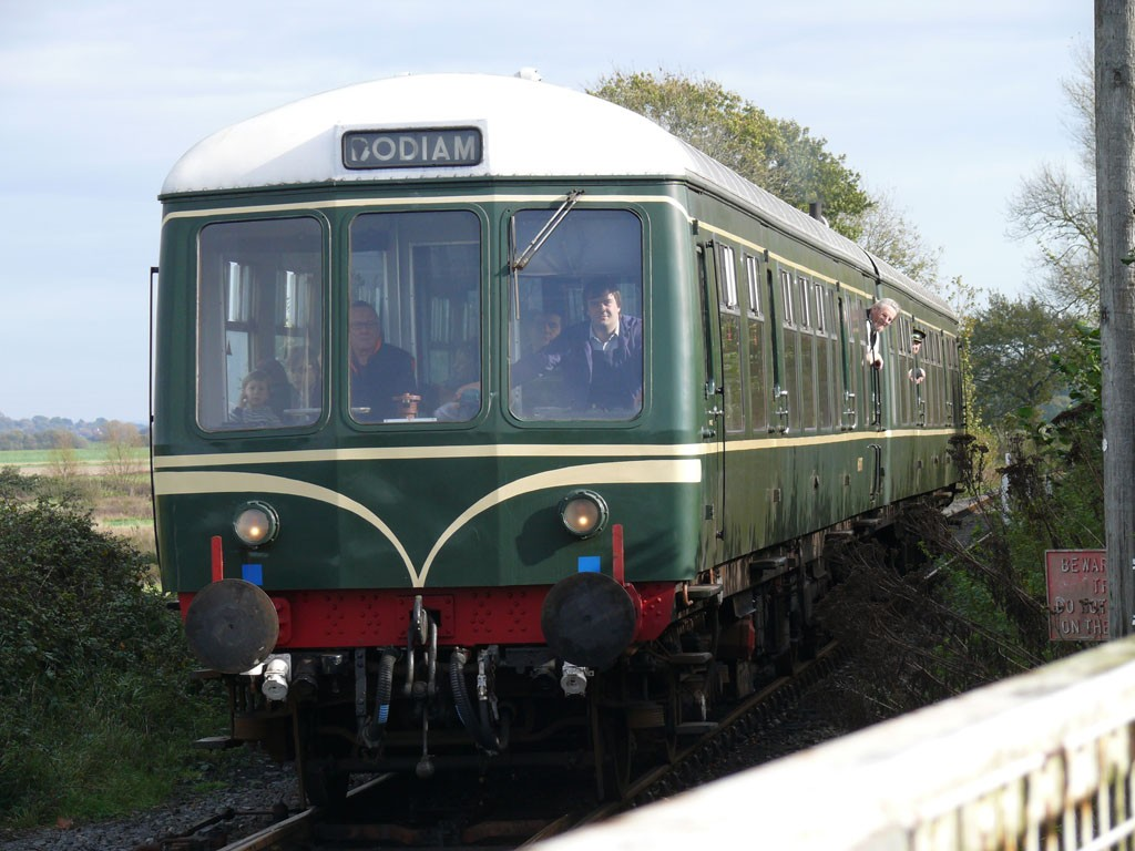 KESR train approaching Bodiam Station