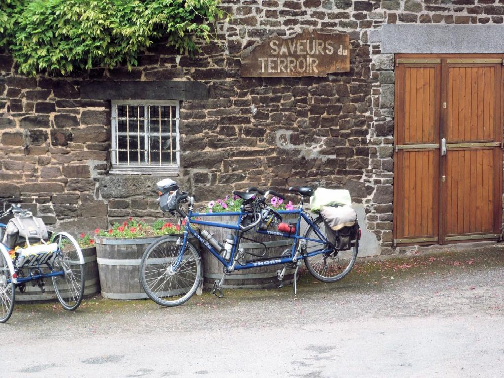 The cider farm shop