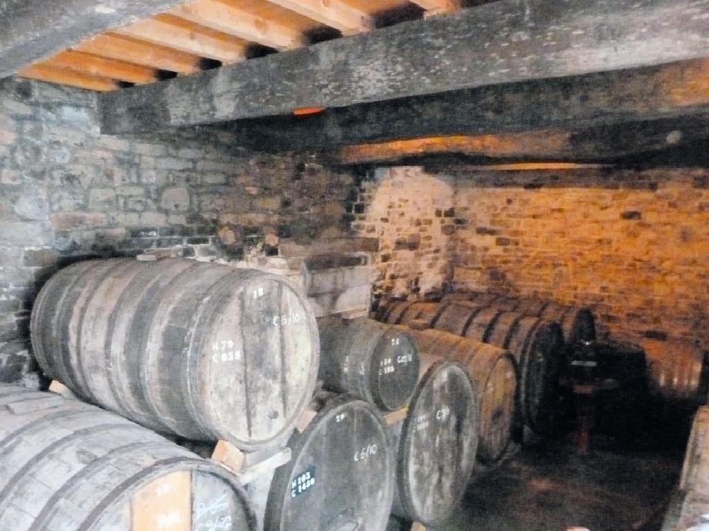Calvados barrels ageing
